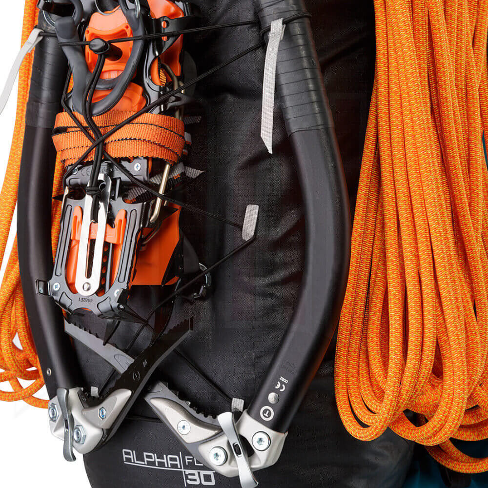 ARCTERYX/Mochilas/Arcteryx-18678-Alpha-FL-30-Backpack-Black-Ice-Axe-Attachment-deportes-koala